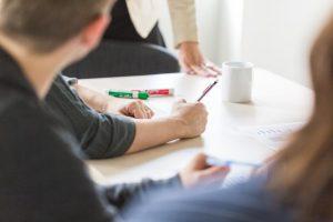 taking-notes-at-meeting_925x
